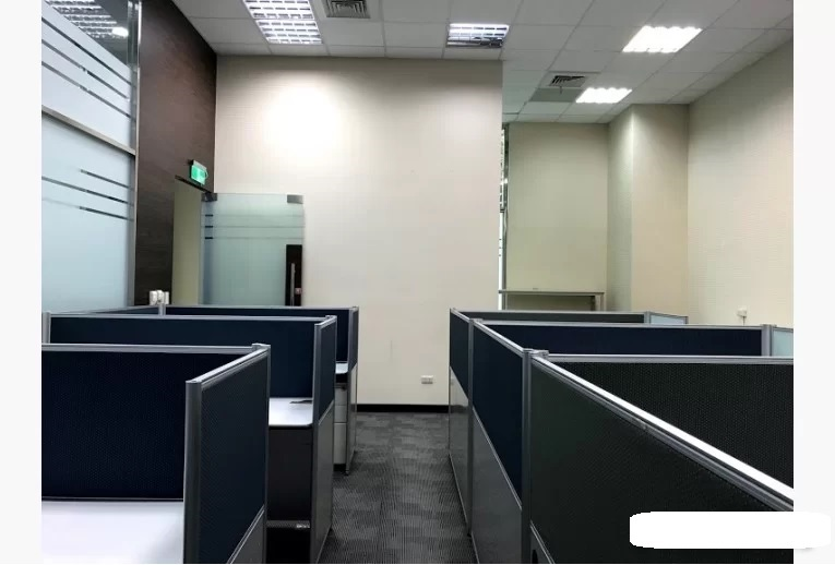 內科優質辦公室屋況佳近捷運有家具-2