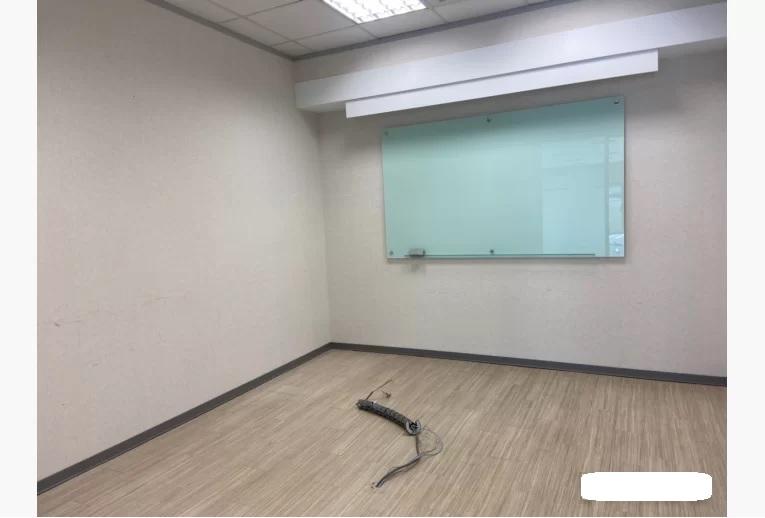精美裝潢辦公室近西湖捷運站有大露台-4